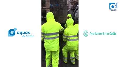 Toallitas y pañales invaden y atascan la red de saneamiento de Cádiz