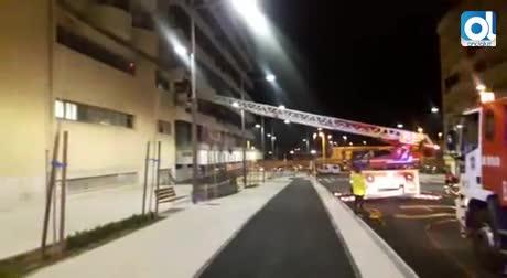 Tres heridos por inhalación de humo en un incendio en el Hotel Luz