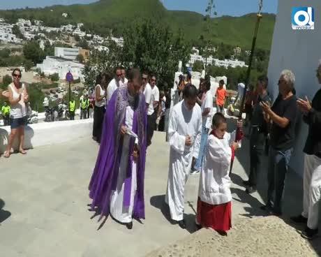 Emotivo funeral de Ángel Nieto, acompañado de 500 motos