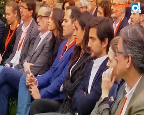 Rivera anuncia que habrá más fichajes como el de Valls para 2019