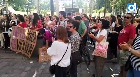 Cientos de personas protestan en Sevilla por la sentencia a La Manada