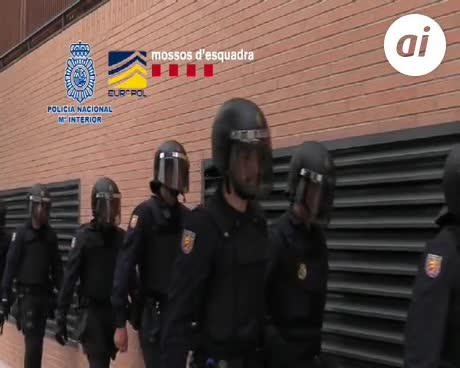19 detenidos en una red europea que estafó 8 millones en España