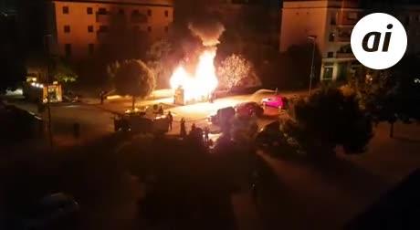 Incendio de dos transformadores eléctricos en calle Amberes