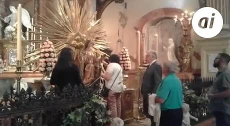 Gran expectación en torno al besamano de la Patrona
